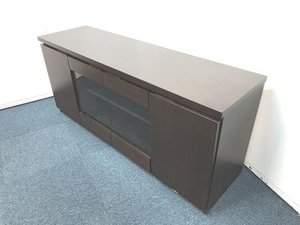 【木製サイドボードの入荷です!!社長室などにいかがでしょうか!!】