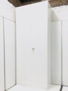 オカムラ製 レクトライン 両開き書庫 ハイキャビネット ホワイト色 収納力抜群 ロット