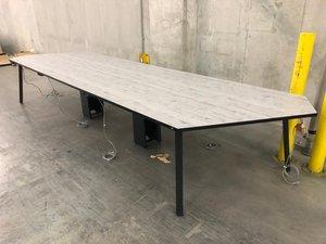 【従来のオフィスと違った空間作成をお手伝いします!】コクヨ 大型テーブル ※倉庫在庫※