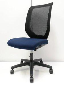 【残り1脚です!】 ローコストメッシュチェアならコレ一択! 座面も厚めで疲れにくい! ■イトーキ■コルト■ネイビーブルー×ブラック