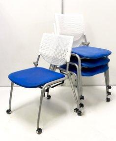 4脚セット!座りやすいミーティングチェア!上に重ねてスタック収納可能!人気のオカムラ製!