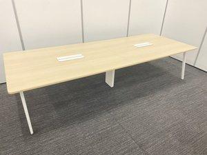 横幅3200の大型テーブル 内田洋行製 レムナシリーズ