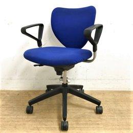 OAチェア肘付き オフィス用の椅子です EPO1(エポ)シリーズ 滞留品のためお値下げ