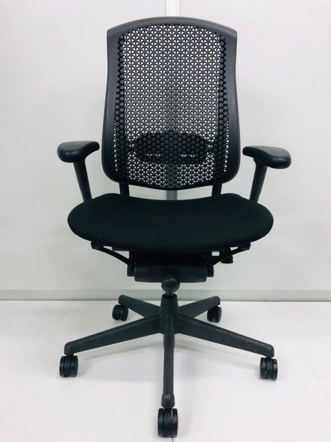 セラチェア【メッシュチェア】 前傾チルト機能付きでパソコン作業時の前傾姿勢をサポート出来ます。                         セラ                                      中古