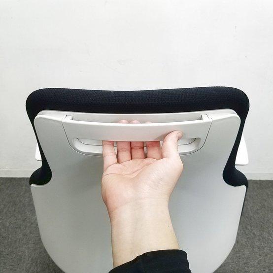 【事務用におすすめの肘付】コクヨ/グーフォ/ブラック◆安定感のある座り心地                         グーフォ                                      中古