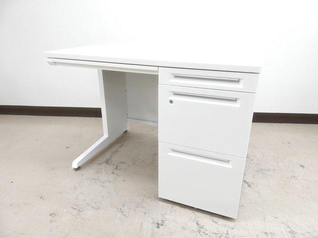 【8台入荷】【鍵あり】真っ白天板美しいホワイト片袖デスク(Advance)春日部入店◆オカムラ製