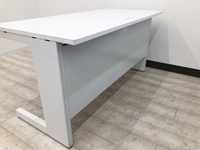【倉庫にも大量に入荷しております!】作業スペース広々と使える清潔感のあるデスクが入荷!■内田洋行■スカエナ デスク (SCAENA Desk)                         スカエナ デスク                                      中古