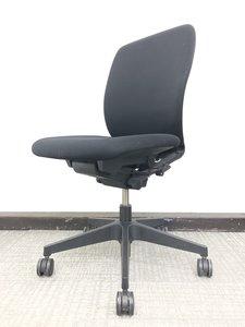 肘無しのコンパクトなオフィスチェア!イトーキ/フルゴ/ブラック