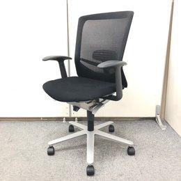 【重厚感溢れるミドルクラスメッシュチェア!】 繊細にして大胆なデザイン性と、機能的でしなやかな座り心地!!