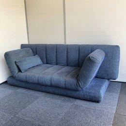 【1台入荷】コクヨ製のソファベットが入荷!使用感がある為、低価格でご提案!中古 オフィス 応接 家具 ブルー 可動