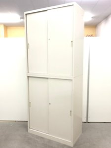 施錠可能なセキュリティキャビネット! 開閉スムーズでノンストレス! ■オカムラ/42シリーズ/2枚引戸セット