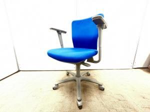 おすすめローコストチェア!肘付でしっかりした座り心地をお求めの場合は、これできまり!!