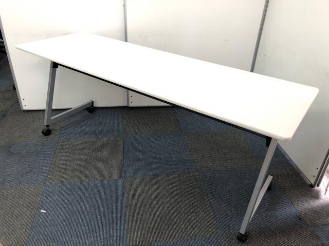 【会議用テーブル】広々使用できます/キャスター付き/コンパクトに収納