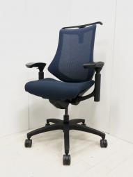 【多彩な機能で快適な座り心地!】イトーキ/エフ/ブルー/ブラックフレーム/可動肘