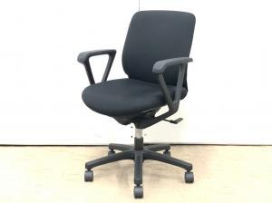 人気のローバックの椅子!ブラックで、8脚入荷です!