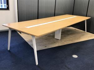 【1台入荷】空間の可能性を引き出すテーブルシステム!あらゆるワークに快適な空間を【東京】【愛知】【大阪】