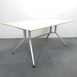 【スタイリッシュなデザイン!】■イトーキ製 DDシリーズ ミーティングテーブル ■W2100×D900mm ナチュラル木目カラー