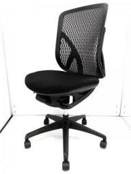 【デザインと人間工学の融合】イナバ製 イエラチェア ブラック ハイバック 肘無 オフィス リモートワーク 在宅