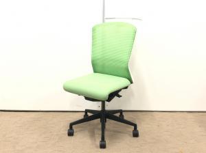 オフィスチェア随一の座面の広さ!分厚い座面がおすすめの椅子です!