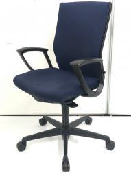 快適な座り心地! オカムラ  オフィスチェア エスクード