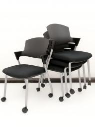 【4脚セットでちょっとお得】人気のスタッキングチェア入荷!既存家具と合わせやすいブラック!|コクヨ|プロッティ|キャスター|背クッション無し|