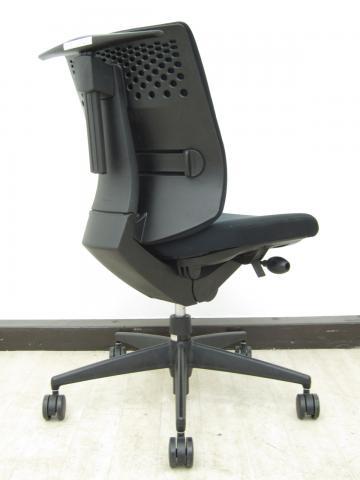 【優しい座り心地が好評!】コクヨ製 ウィザード2 ブラック色 ランバーサポート付き                         ウィザード2                                     中古