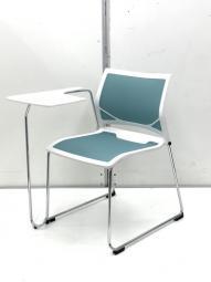 メモ台付(右利きの方向け)椅子を並べるだけでセミナールームが出来上がり!【在庫入替】