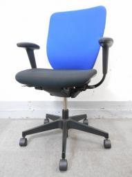 【オフィス定番のブルー色】イトーキ製 プラオ 肘付チェア■ランバーサポートが付いて業務用に最適!