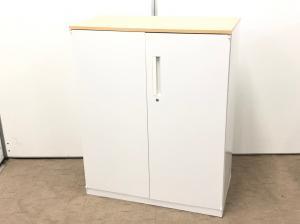オフィスの玄関、受付、カウンターにも置ける綺麗なホワイトカラーの書庫です!
