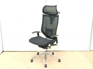 あのバロンチェアのヘッドレスト付!座面にヨレがありますが、機能としては問題なく、座れます!