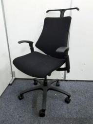 【腰痛対策におすすめ!】コートハンガー付!コンパクトなのに座り心地抜群!小柄な方にもおすすめです!座面傷みありのため値下げしました!|エフ|ブラック