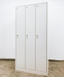 【Aランク商品!】清潔感のあるカラーの3人用ロッカー■オカムラ■FZ-W