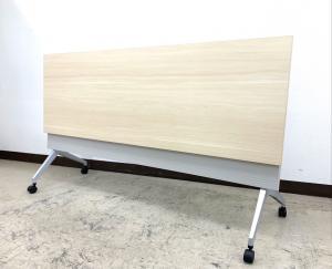 【軽量で使いやすい!スッキリ収納!】■平行スタックテーブル!■W1800×D600mm ナチュラル木目天板!【便利アイテム!】