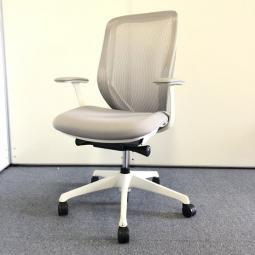 【大人気チェア】オカムラ|シルフィー|圧倒的な座り心地を体感下さい!※フレーム日焼け有