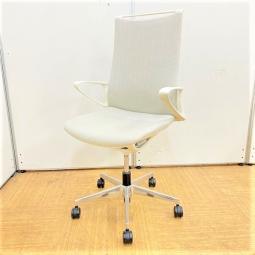 【8脚入荷】オフィストレンドの中間色!!独自のインナーメッシュ構造がクリエイティブなデザインと快適な座り心地を融合