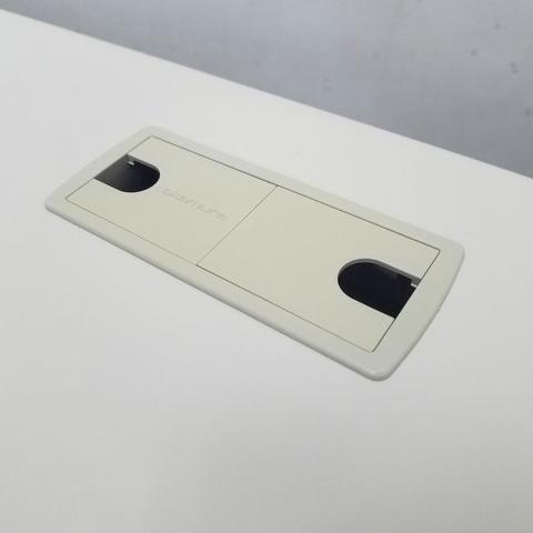 【意外と人気な1100㎜デスク入荷!】オカムラ(okamura)SDデスクシステム 平机 幅1100㎜ ■色:ニューグレー(ライトスモーク)                         SDデスクシステム                                     中古