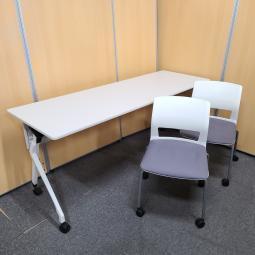 テーブル・チェアセット チェア2脚付きなのでまとめて必要な方に特におすすめ!