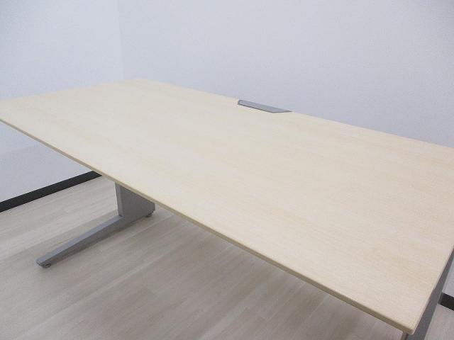 【在庫入替セール品】木目天板の平机 W1200タイプ 事務机 シンプル&高品質                         プロユニット                                     中古