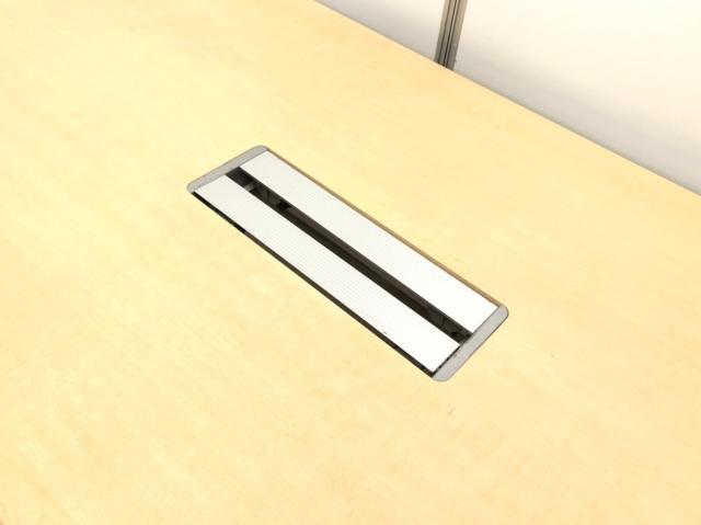 【配線カバー付き!】オカムラ製のミーティングテーブル!配線処理!高級感!                         その他シリーズ                                     中古