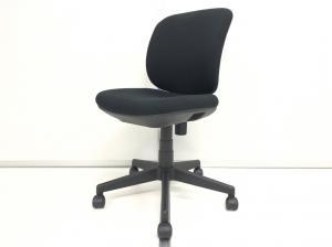 【千代田区に構えております企業様必見!】6脚揃います!!【シンプルなのに上質な座り心地!】【背面ホワイト】プラス(PLUS)製 【オフィスチェア】 【定番商品】