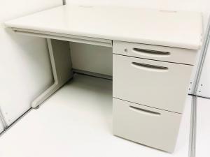 【オフィスに最適なニューグレー】一番売れてる幅1200mm片袖机!オカムラ/SD-V/【定番デスク入荷‼】