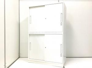【上下引き違い扉のホワイトキャビネット!】