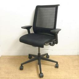 【ゆったりとした座り心地が人気】スチールケース シンク ブラック 肘付 ハイバック 海外製 オフィス リモートワーク 在宅