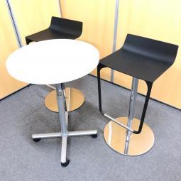 【テーブルセット】昇降テーブルとハイチェアのセット品!コンパクトサイズなのでスペースは取りません。|ウィスナーハーガー|マカオ