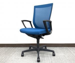 【良い椅子は健康を守る投資です!】■オカムラ製 エスクードメッシュチェア 肘付 ターコイズブルー【在宅ワーク・テレワークも捗ります!】