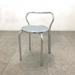 【2脚入荷】プラス製のパイプ椅子を2脚入荷しました! プラス製 パイプ椅子 会議室