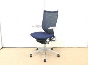 衰えしらずの人気!オカムラ製のバロンチェア!在宅ワーク/腰痛対策/デスク椅子