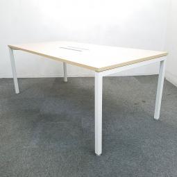 【3台入荷】ウチダ製のミーティングテーブルを入荷致しました!中古 テーブル おしゃれ オフィス ナチュラル天板