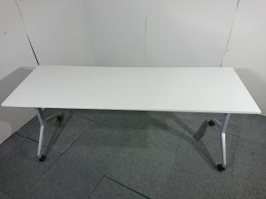 サイドスタックテーブル|内田洋行(UCHIDA)|パラグラフ|色:ホワイト|W1800xD600mm|奥行が広めのテーブルです!【倉庫在庫商品】
