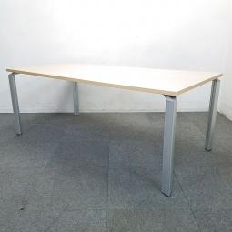 【3台入荷】プラス製のミーティングテーブル!4~6名様でご使用にオススメ!木の温かみ溢れる癒しのナチュラルテーブル!中古 テーブル ミーティング 会議 四つ脚